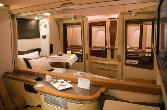 مقصورة الرفاهية هي المقصورة التى في أكبر طائرة في العالم على الخطوط السنغافورية