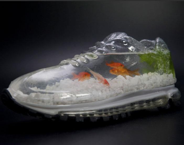اغرب تصميم حذاء من شركة نايكي الامريكية