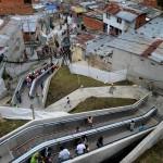 مصعد عملاق في الهواء الطلق لمساعدة الفقراء في كولومبيا